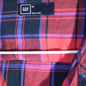 GAP Tops - Gap Medium Button up! Reds, black, purples, blue.